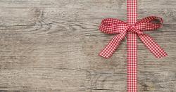 Geschenke mit gratis Gutscheinsprüchen versehen